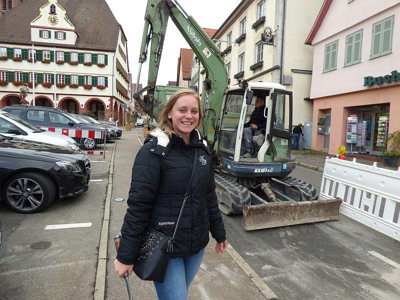 Marktplatz-Sanierung - Probebohrungen - Projektleiterin Lisa Kallenberger