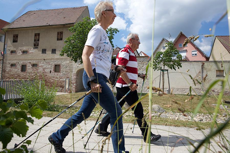 Nordic Walking am Bürgerpark - oder in die herrliche Natur des umliegenden Heckengäues