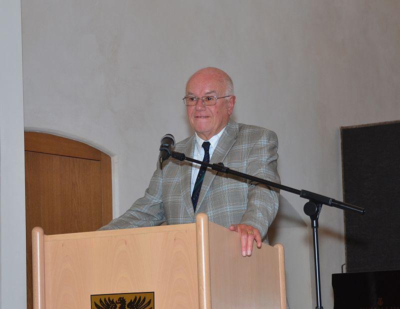 Laudator der Kepler-Gesellschaft Professor Fischer