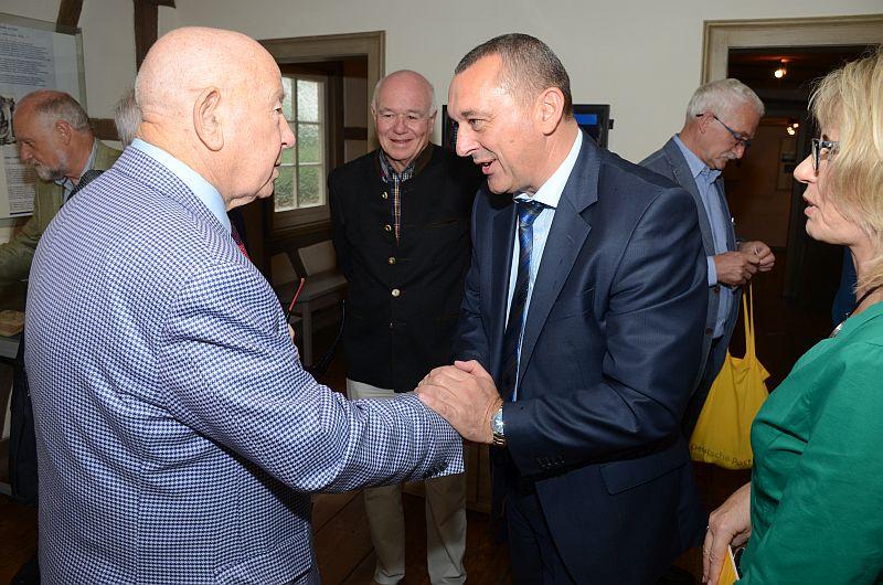 Bürgermeister Schreiber verabschiedet Leonow
