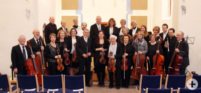 Die Mitglieder des Orchesters vor dem Auftritt