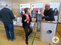 Frau Lieb und Herr Karl im Gespräch
