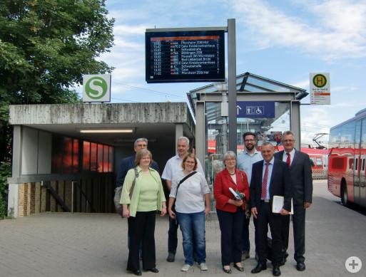 Neue Echtzeitanzeiger am Bahnhof in Weil der Stadt